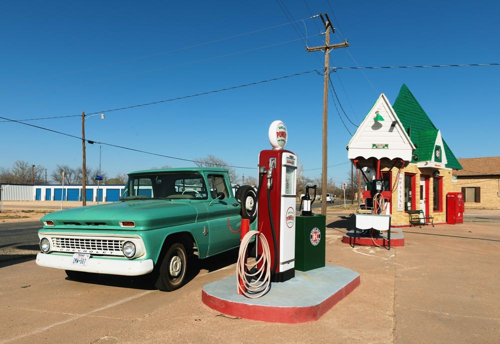 Comparer les politiques de carburant.