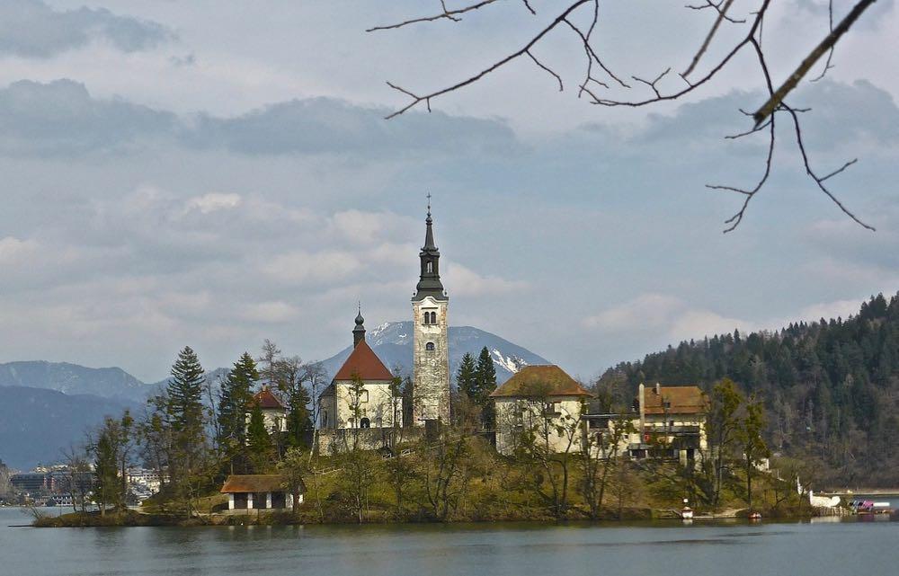 Passer Halloween en Slovénie, sur les rives du lac de Bled