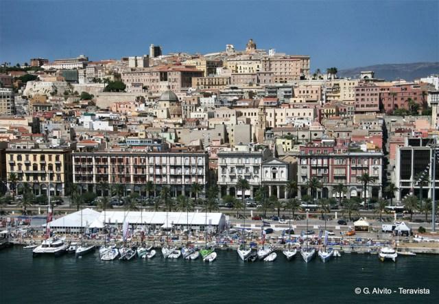 Sur le port de Cagliari